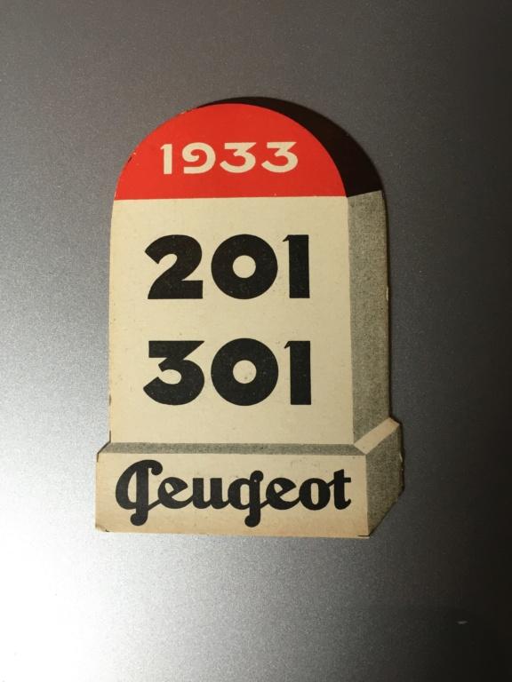 Bornes publicitaires PEUGEOT : pyrogènes et marque-pages Img_4011