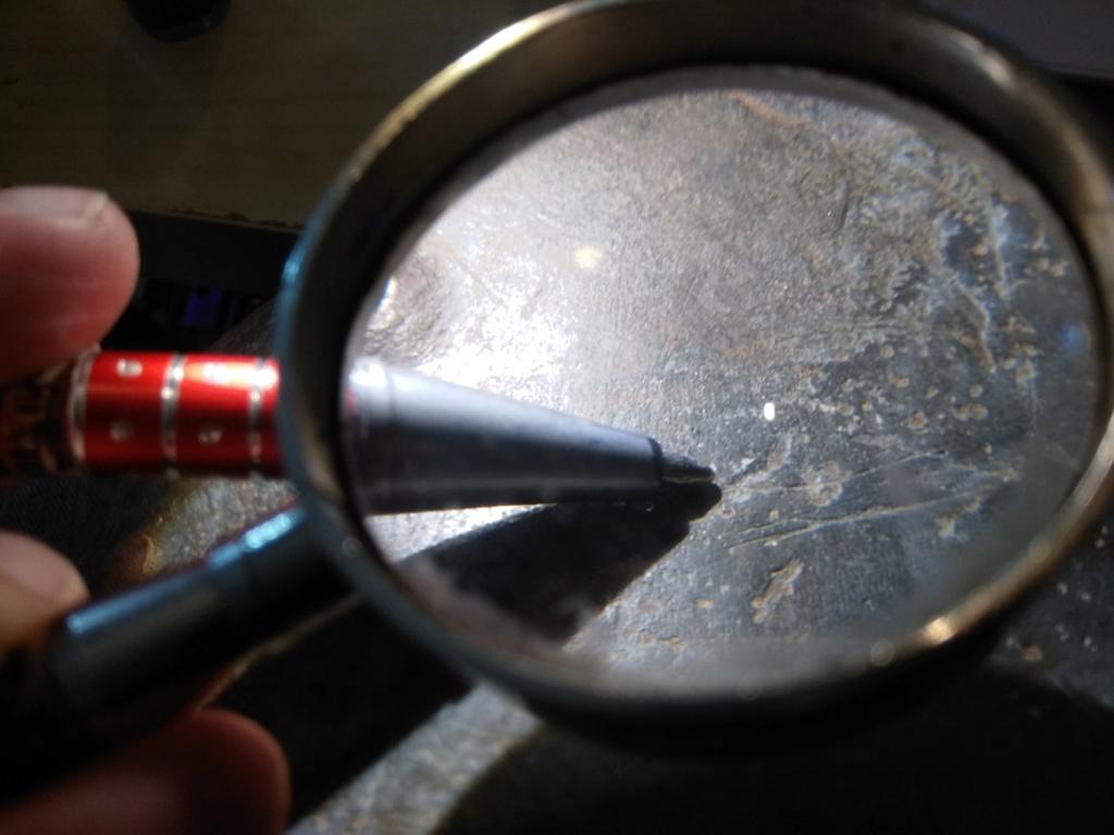 Un curieux casque Allemand Img_2082