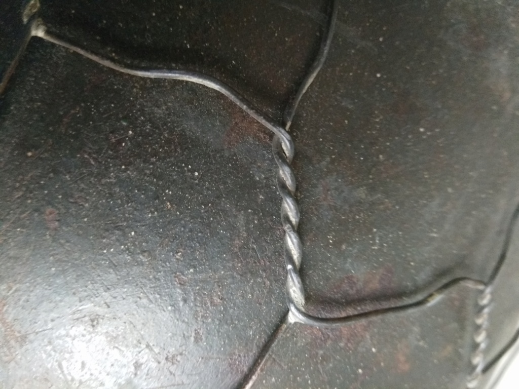 casque M40 grillagé - Page 2 Img_2131