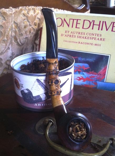 16 octobre, à la Sainte Edwige, préférez la pipe aux tiges.  Fumage11
