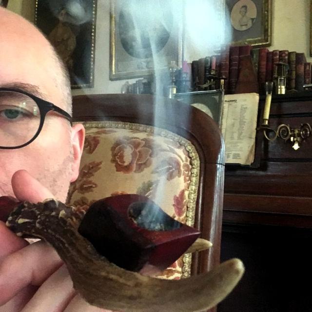 Le 14 août – A la saint Evrard, fumer la pipe est un art ! Img_4611