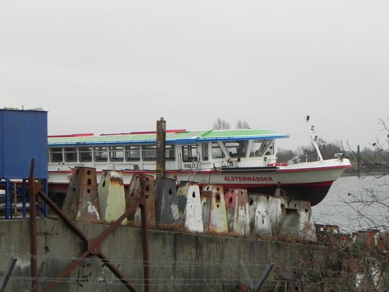 Schiffe auf der Elbe - Seite 2 Comp_d30