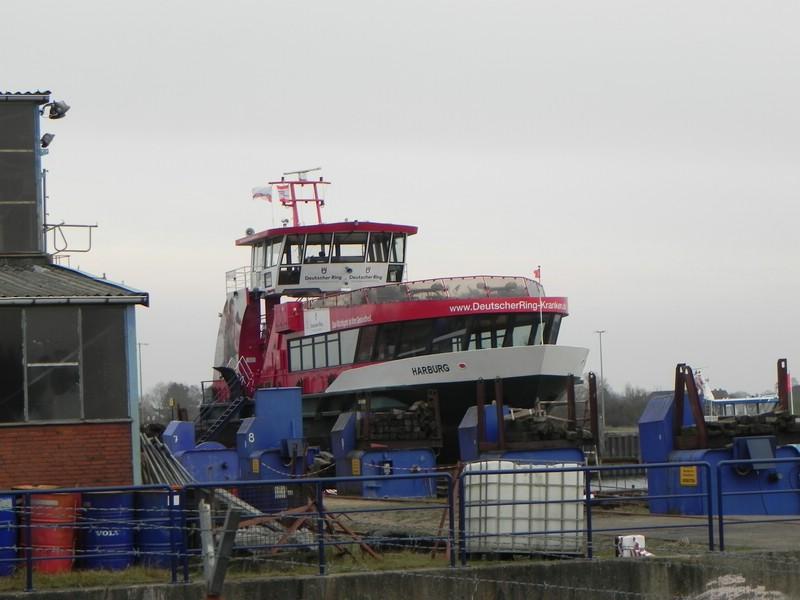 Schiffe auf der Elbe - Seite 2 Comp_d31