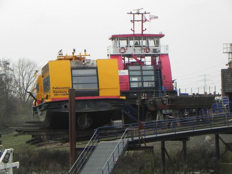 Schiffe auf der Elbe - Seite 2 Comp_d32