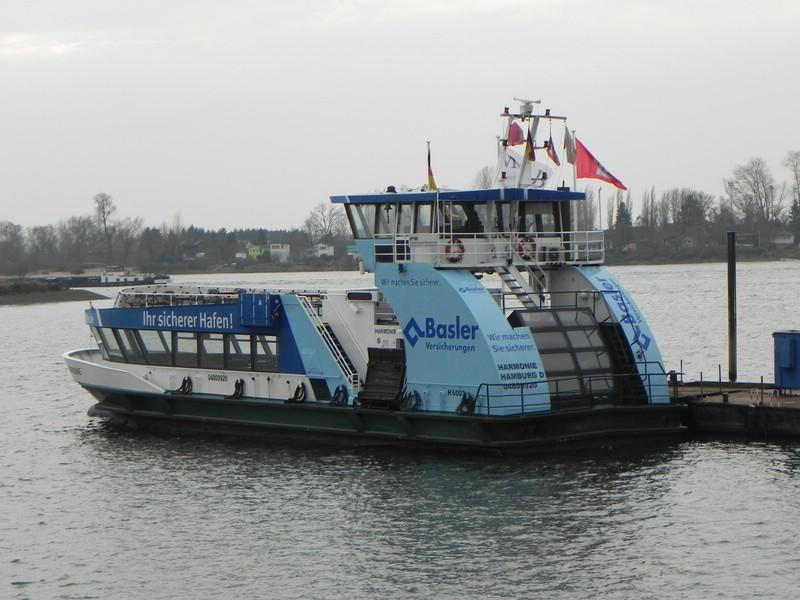 Schiffe auf der Elbe - Seite 2 Comp_d33