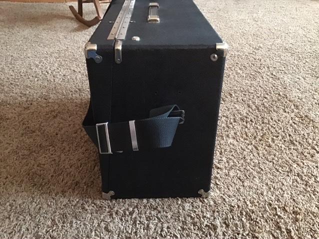 SOLD—4 Gun Box—Good Condition—$175 plus shipping 175e9510