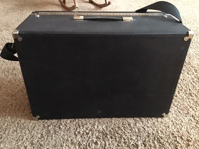 SOLD—4 Gun Box—Good Condition—$175 plus shipping Ac28c010
