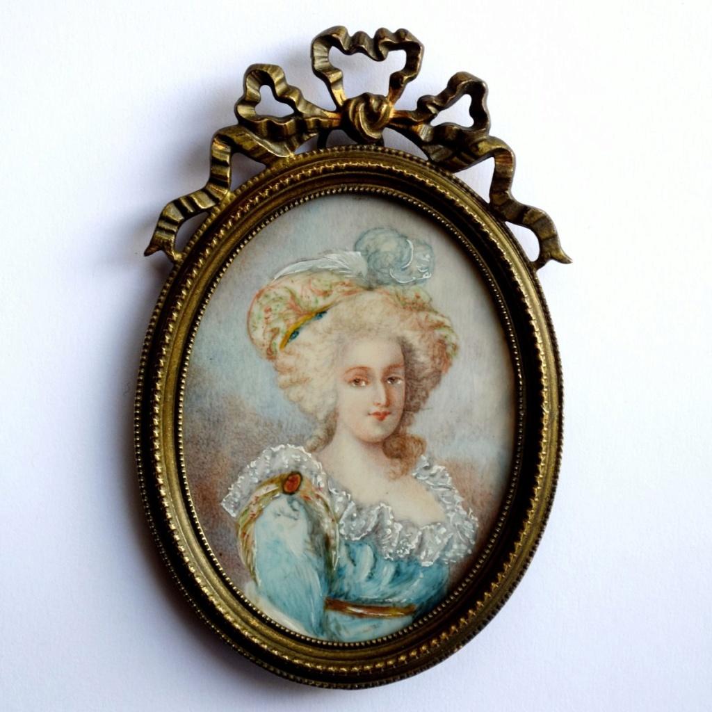 A vendre: miniatures de Marie Antoinette? - Page 8 47674710