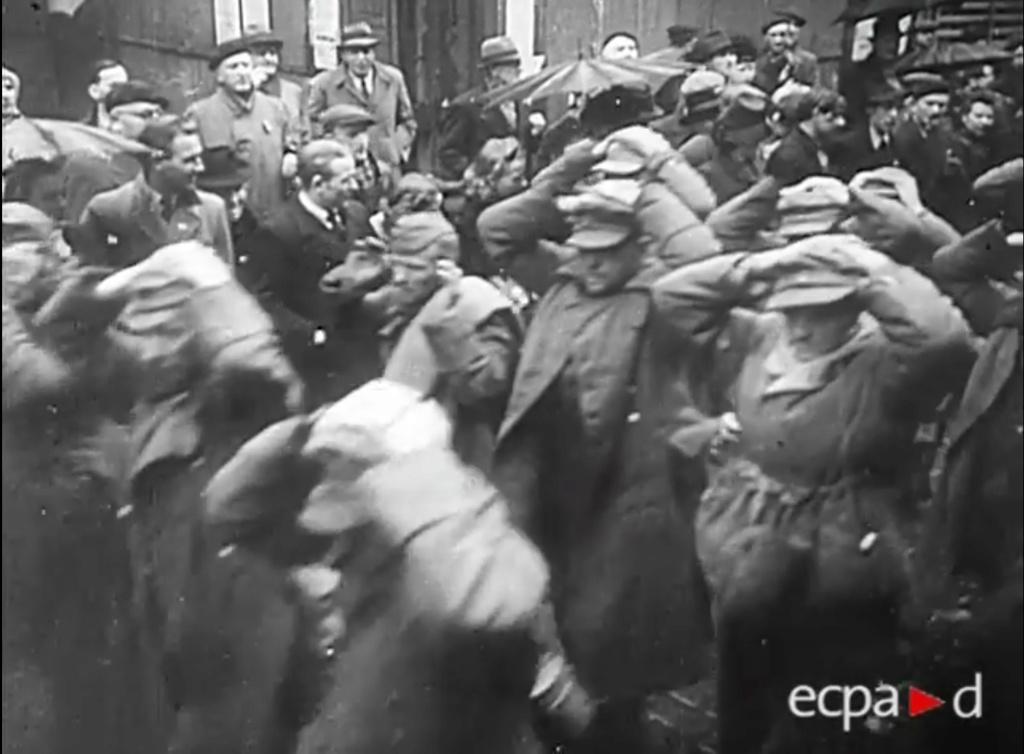 Les perceptions dans la Wehrmacht. (Questions: Armes de poing/Uniformes) Metz_410