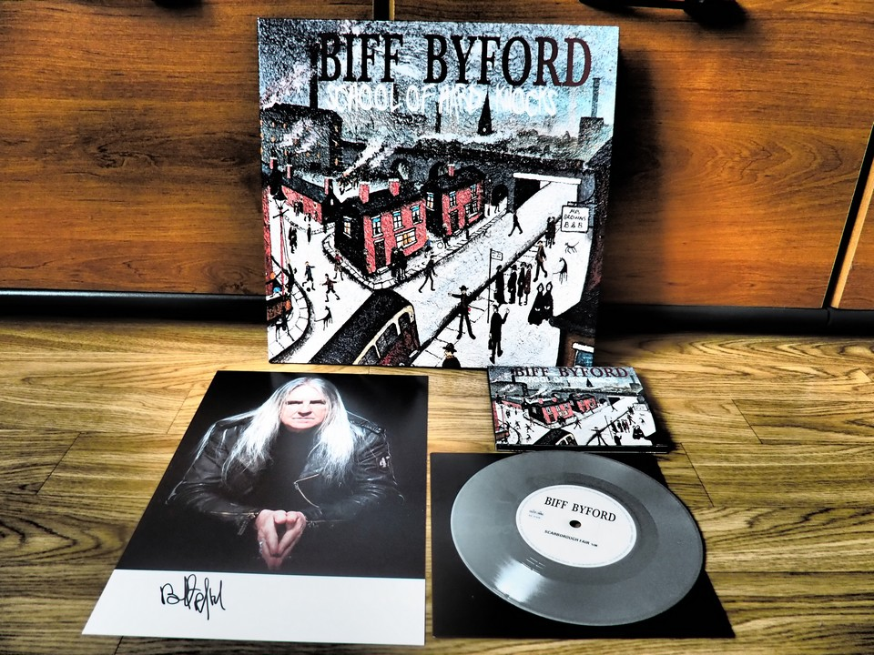 """School Of Hard Knocks"", l'album solo de Biff - Page 2 P2220010"