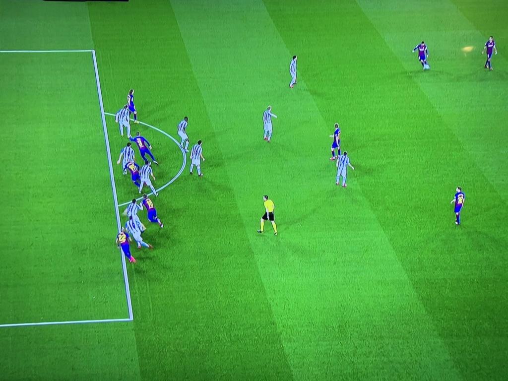 La diferencia real entre Real Madrid y Barcelona - Página 32 Vvvv10