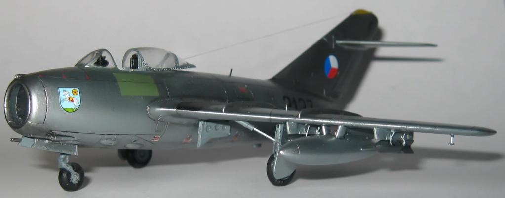 Обзор истребитель МиГ-15, 1-72, (Звезда 7317) S103c310