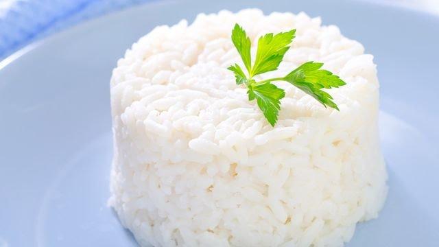طريقة عمل الأرز الأبيض السادة 78-22210