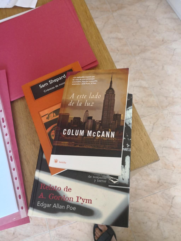 Recomienda un libro a distintos foreros - Página 9 Img_2010