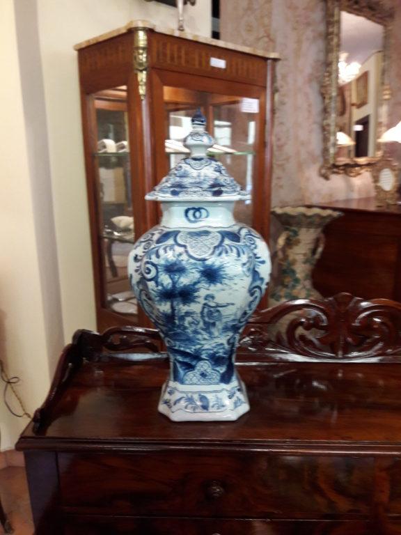 Blue and white vase Vase12