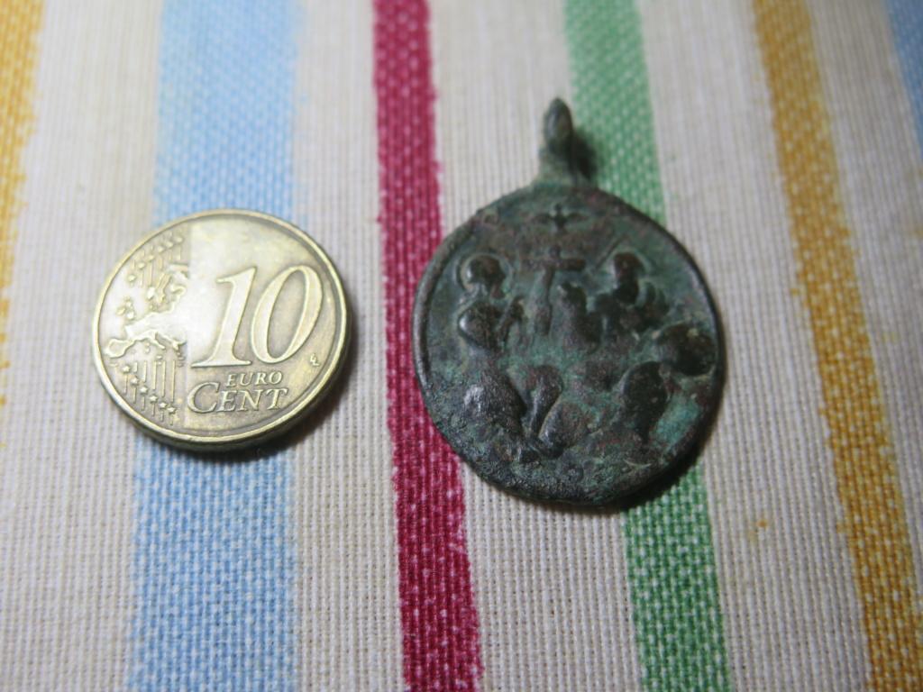 Medalla religiosa a identificar Img_3524