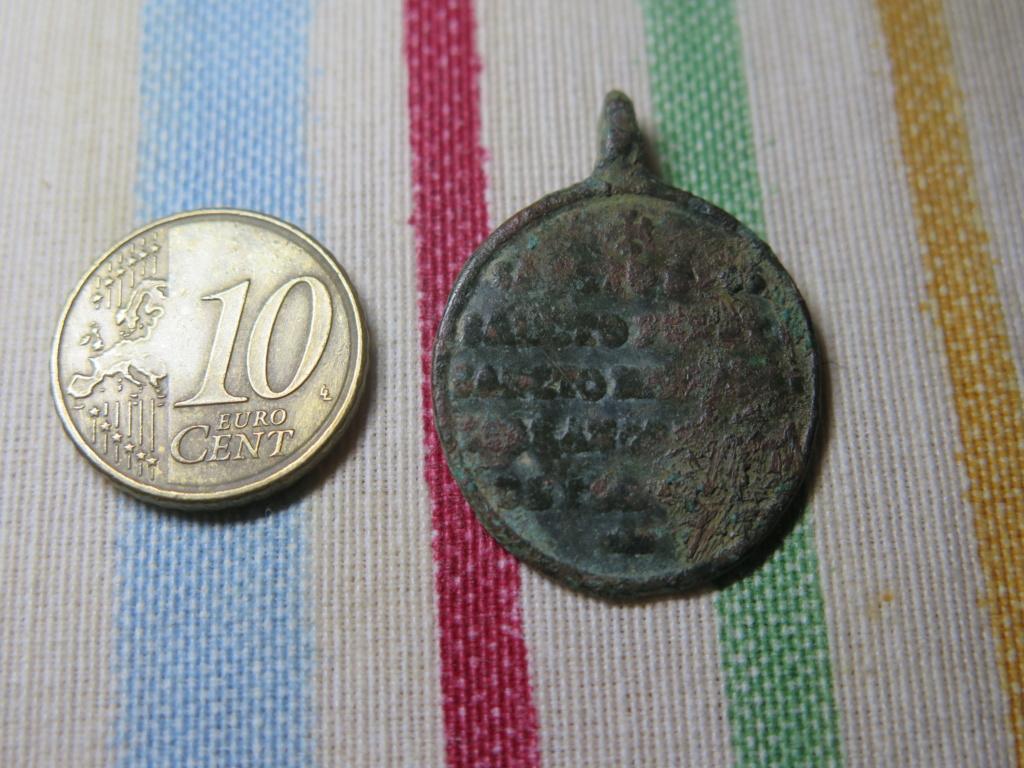 Medalla religiosa a identificar Img_3525