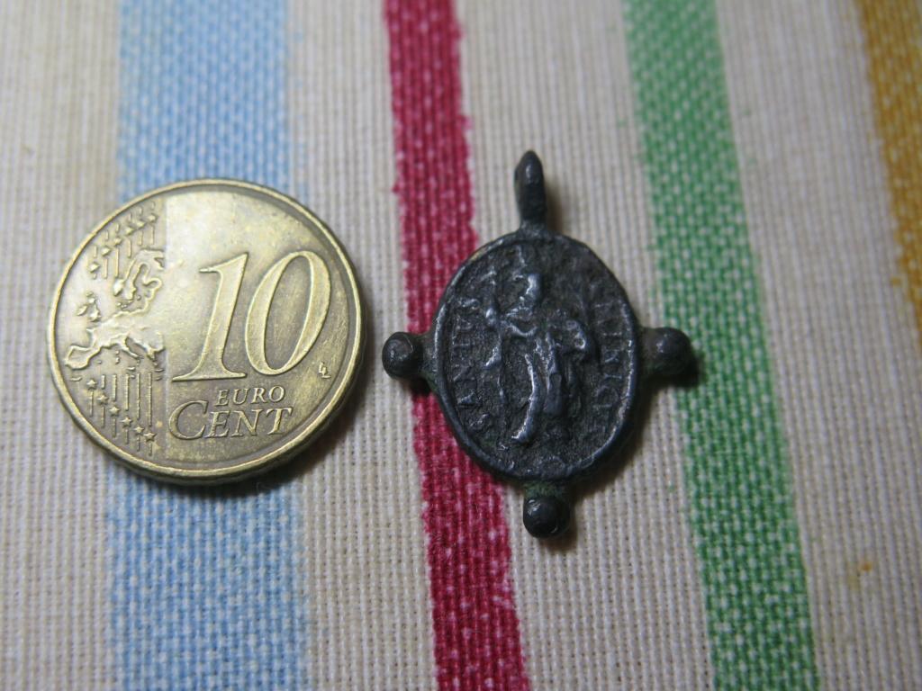 Pequeña medalla a identificar Img_3534