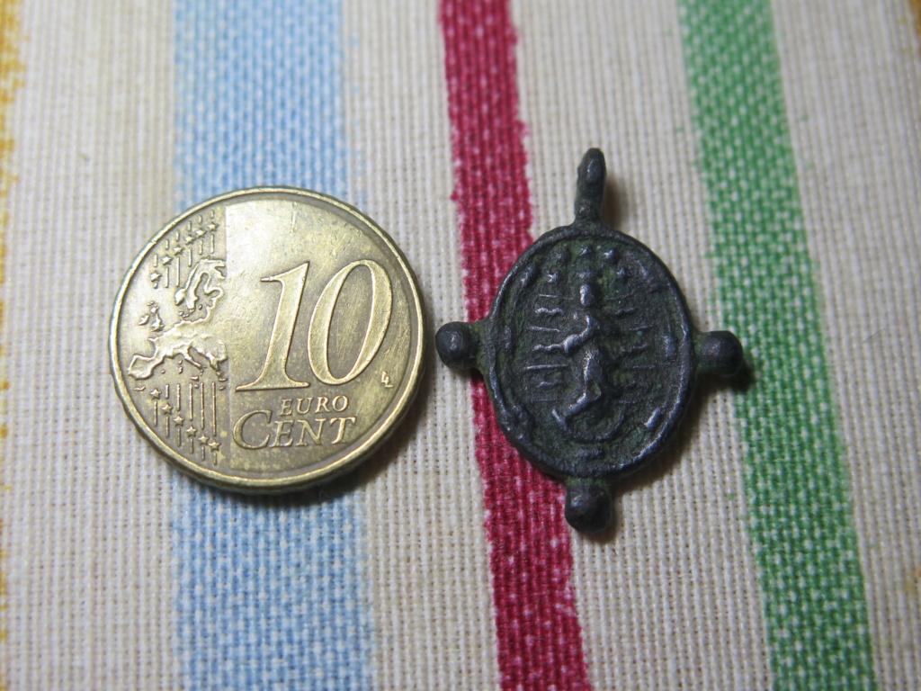 Pequeña medalla a identificar Img_3535