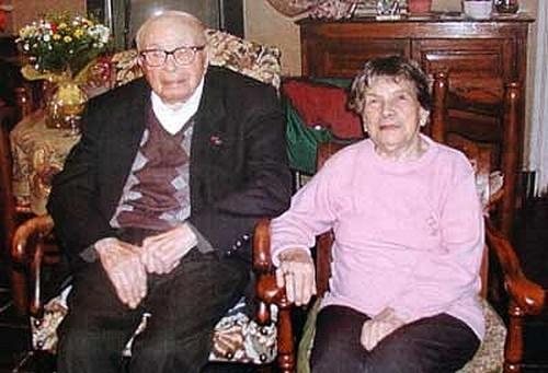 E- LES PLUS LONGS MARIAGES FRANÇAIS - Page 2 Couple23