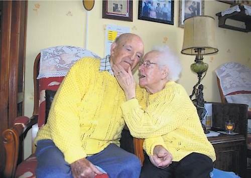 E- LES PLUS LONGS MARIAGES FRANÇAIS - Page 2 Couple27