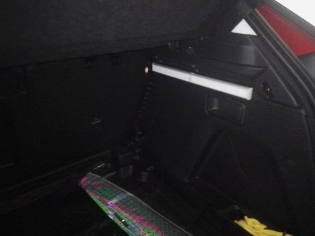 Luz interior led en maletero Img_2010