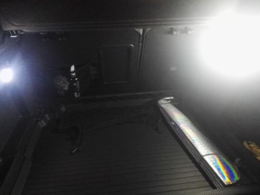 Luz interior led en maletero Img_2011