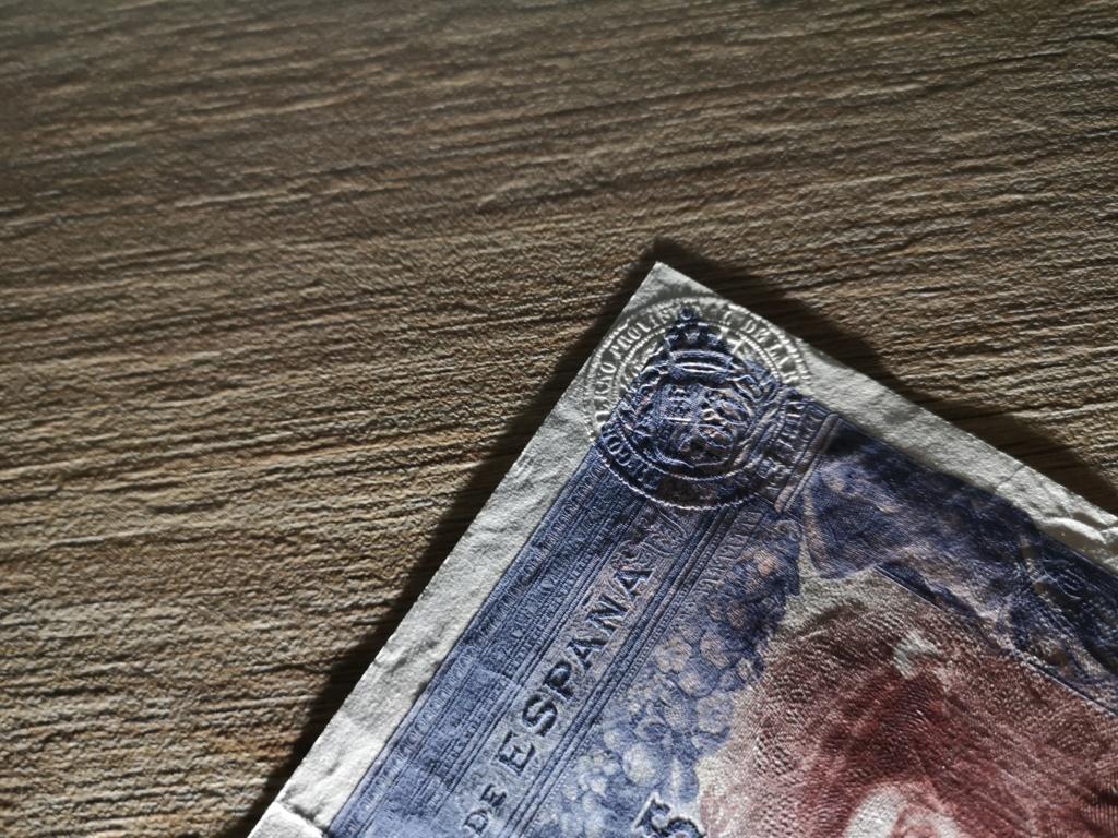 1000 pesetas de 1925 con sello en seco, 4 ejemplos Img_2015