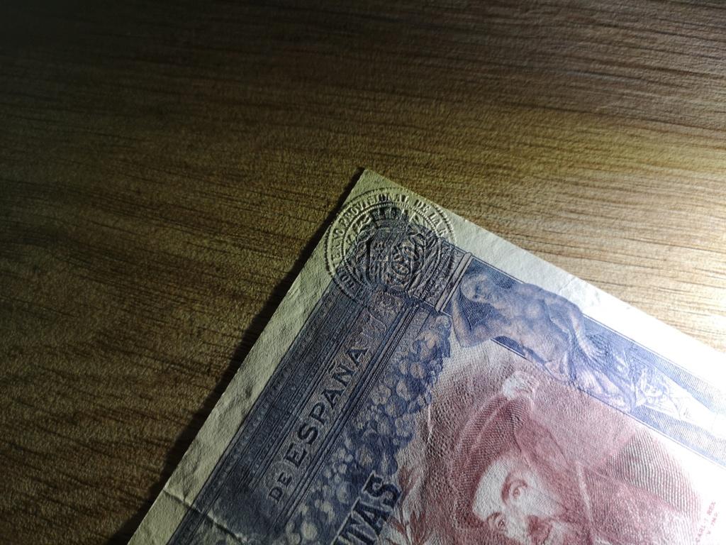1000 pesetas de 1925 con sello en seco, 4 ejemplos Img_2019