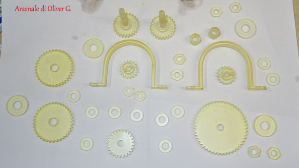 Diverses pièces pour une machine à corder Dsc01759