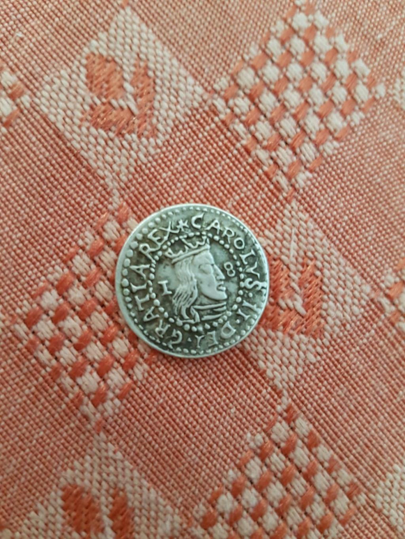 Ola eh encontrado esta moneda en casa de mi abuelo y no encuentro nada de informacion ni sikiera como averiguar si es falsa o autentica alguien save algo A0e7da10