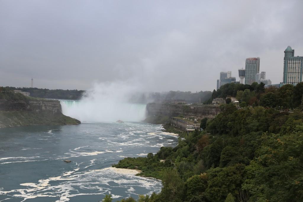 Mon voyage au pays de nos cousins Canadiens Chutes11