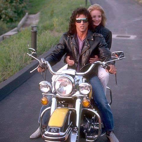 Ils ont posé avec une Harley, uniquement les People - Page 40 51191810