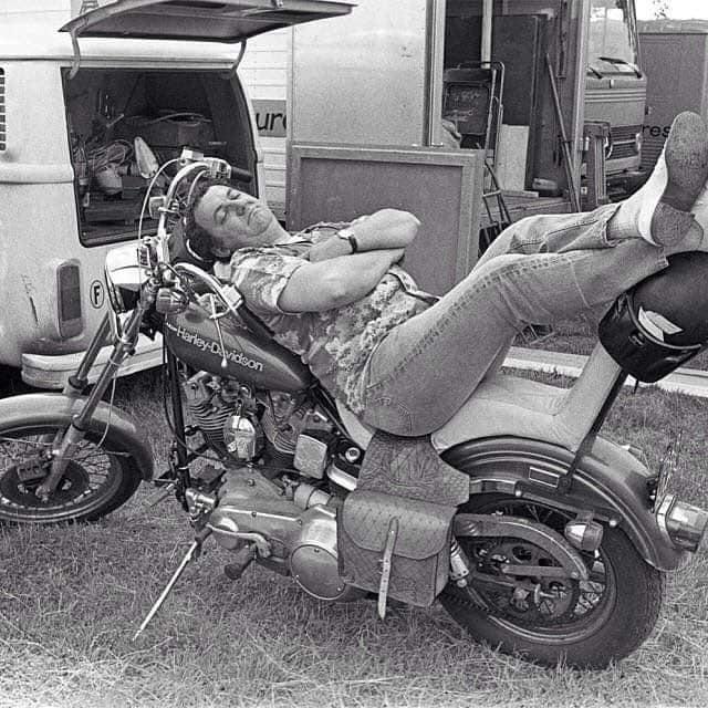Ils ont posé avec une Harley, uniquement les People - Page 40 52712810
