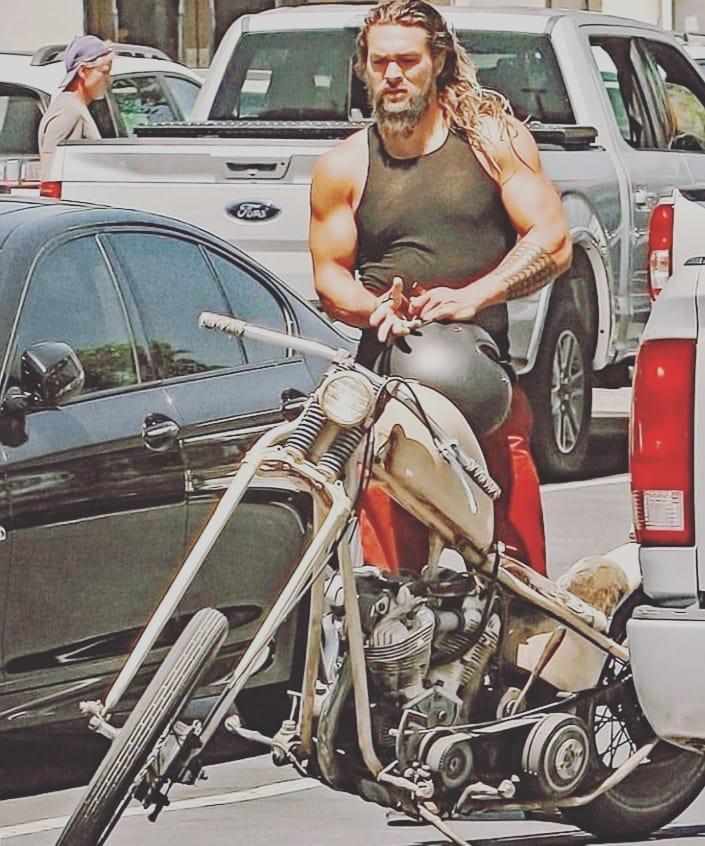 Ils ont posé avec une Harley, uniquement les People - Page 8 67753110