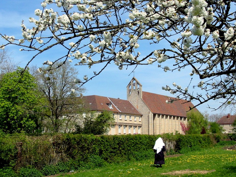 L'abbaye d'Argentan, Bénédictines et belles dentelles Benarg10
