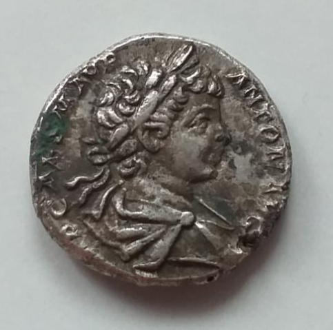Denario de Caracalla y Geta.(¿Intercambio de cuños?). Roma 110