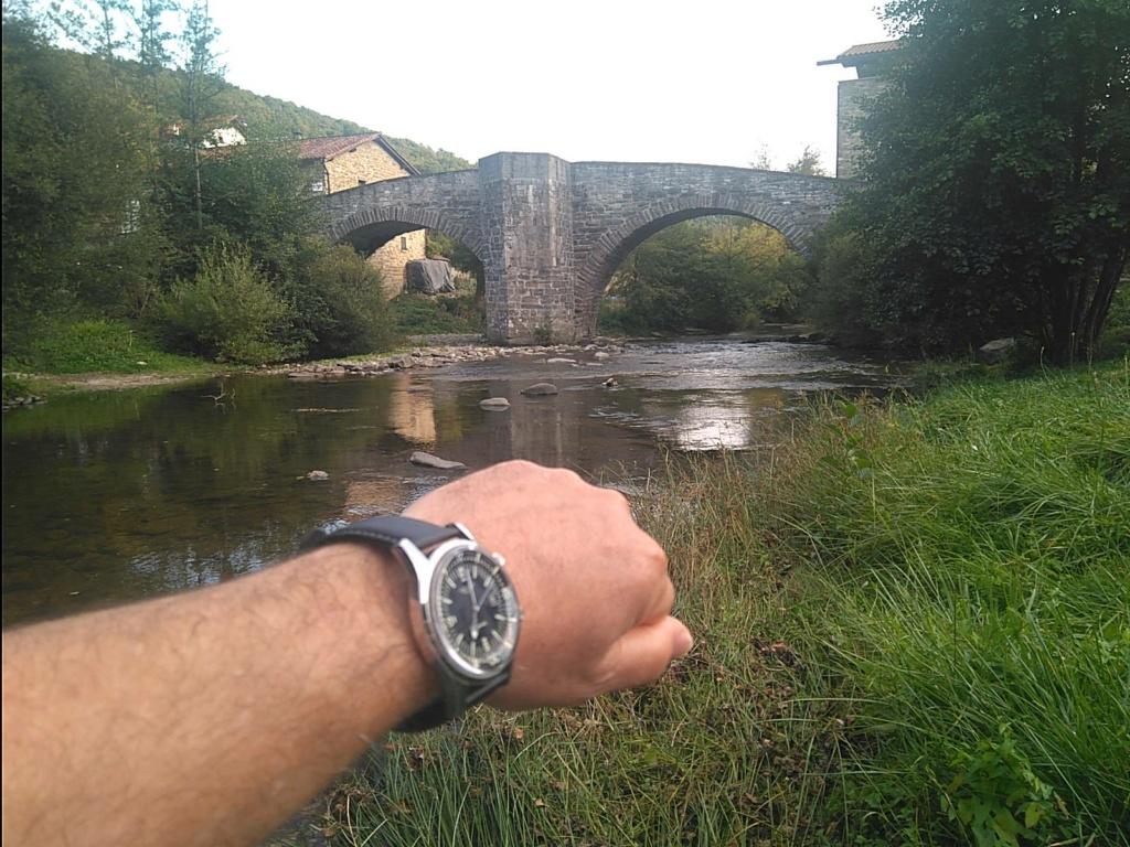 Votre montre du jour - Page 21 Img_2011
