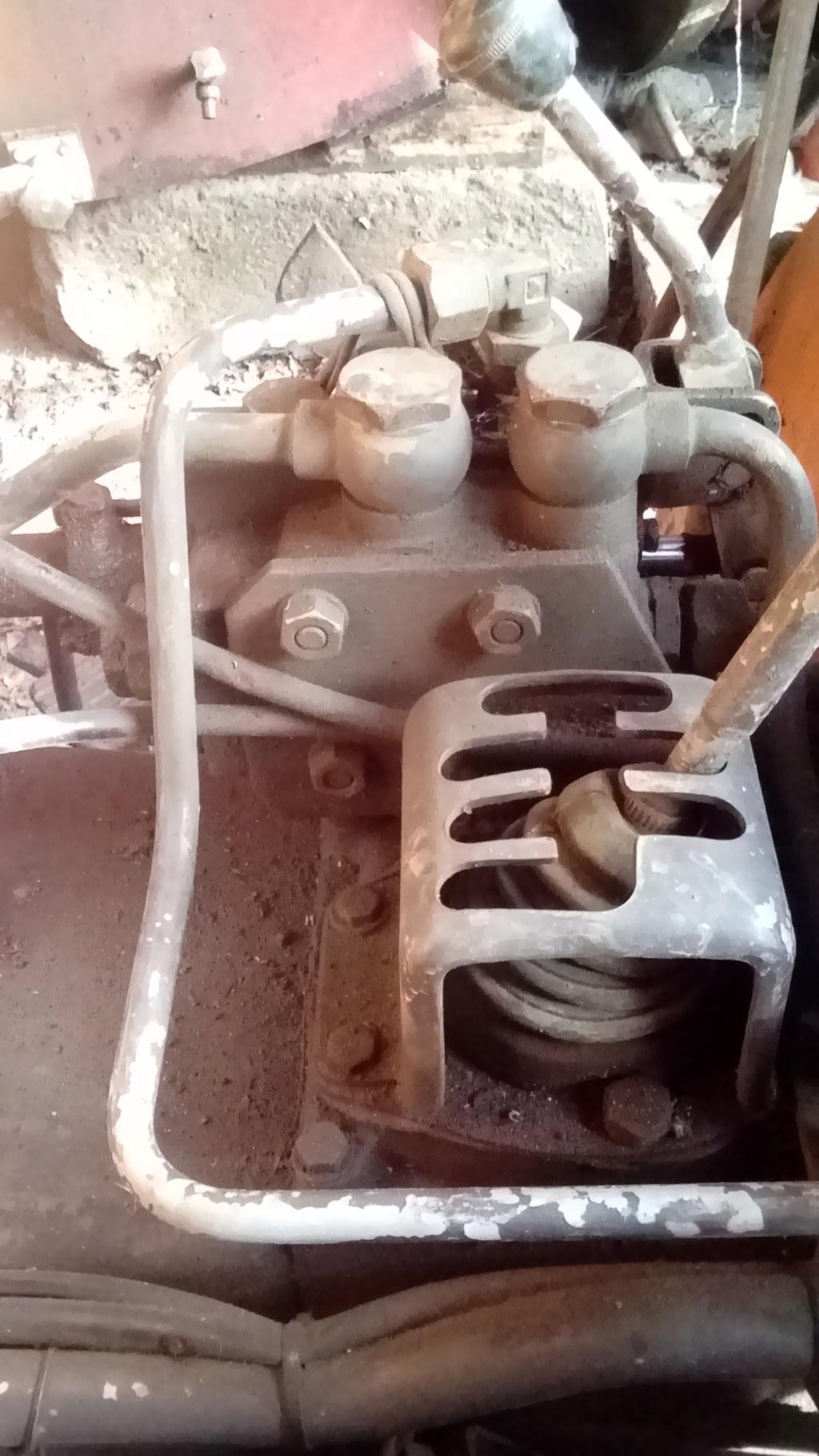 Installation hydraulique double effet Renault 60s Dsc_0211