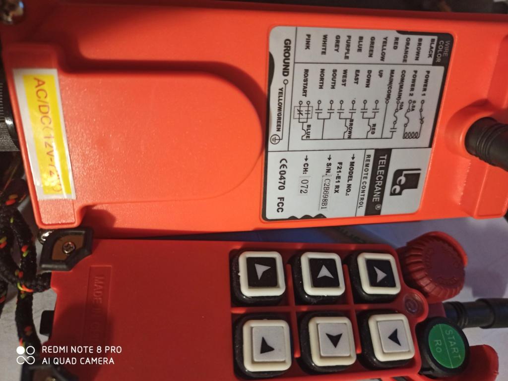 Remplacer une télécommande filaire de grue par une télécommande sans fil 15909510