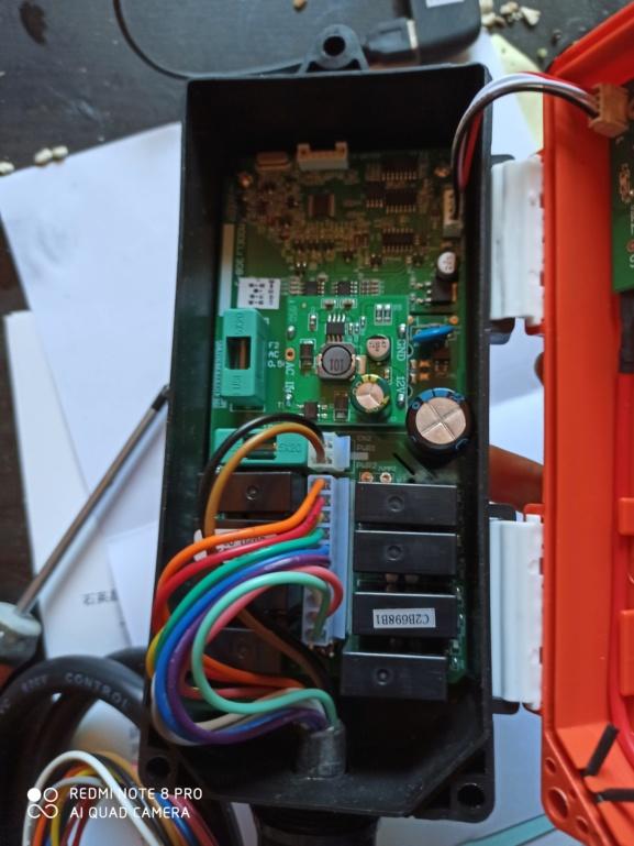 Remplacer une télécommande filaire de grue par une télécommande sans fil Img_2010