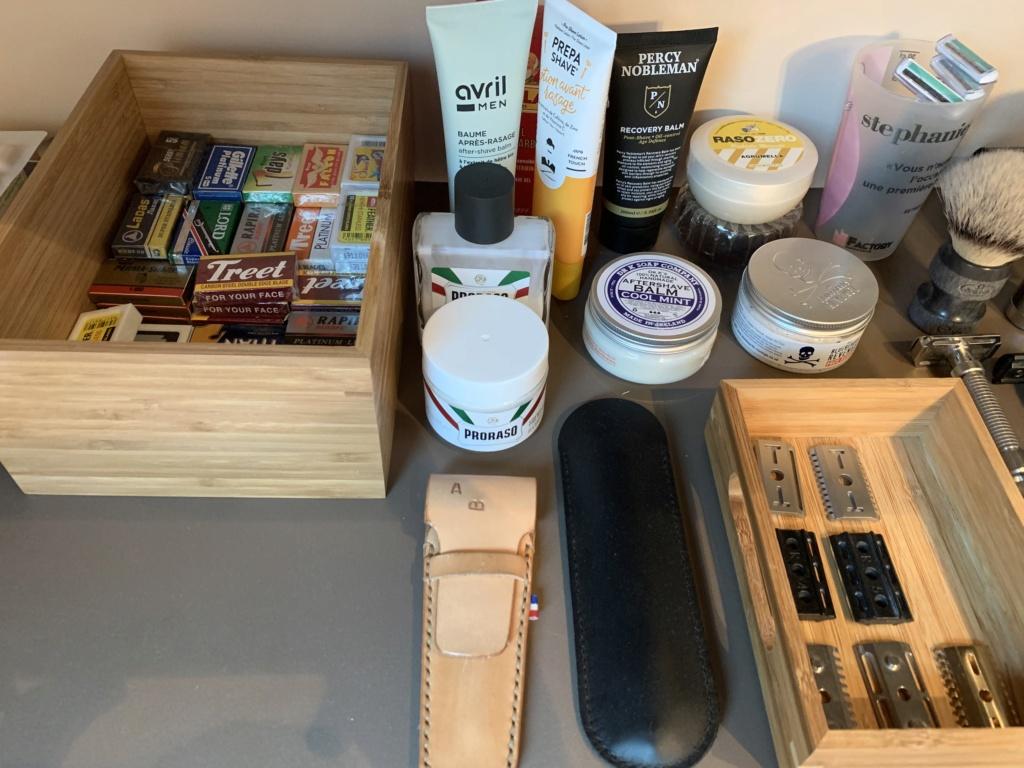 Photos de votre armoire spéciale rasage (ou de la partie réservée au rasage) - Page 30 Img_1618