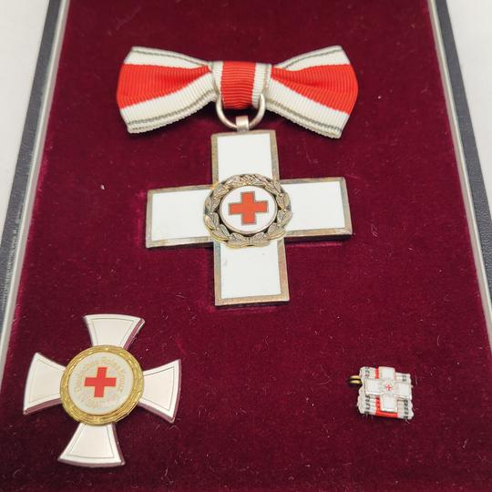 Estimation coffret Croix rouge Allemagne  D76fad10