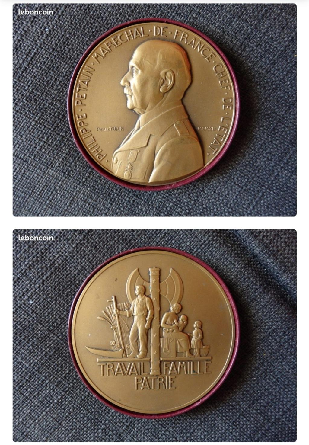 Médaille de table Pétain Img_2136