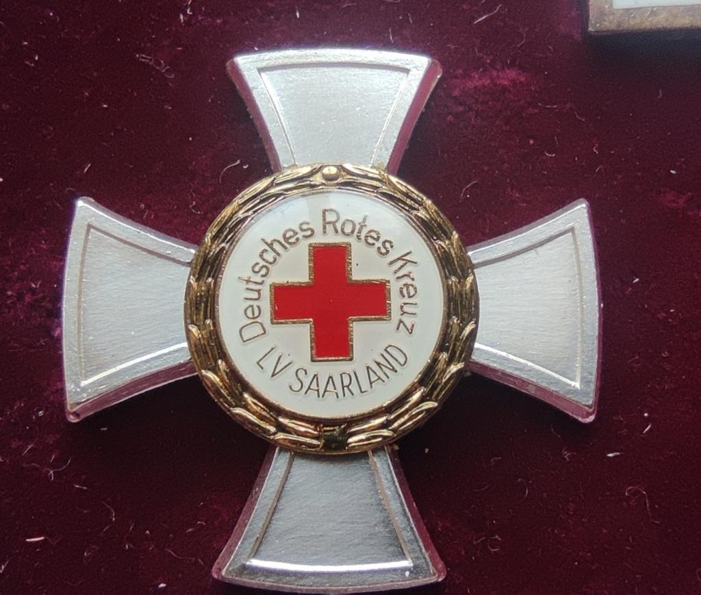 Estimation coffret Croix rouge Allemagne  Img_2320