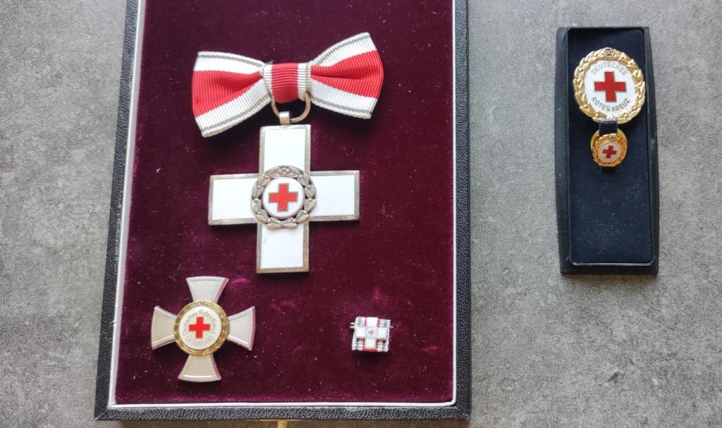 Estimation coffret Croix rouge Allemagne  Img_2322
