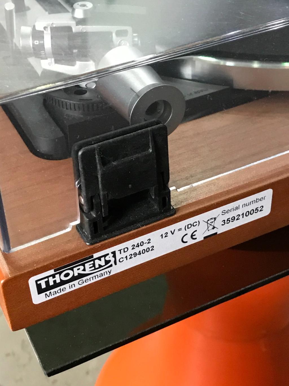 Thorens TD240-2 Turntable ( USED ) Ee909410