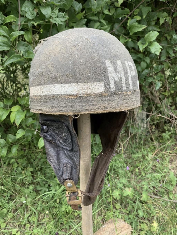 Rare casque anglais Mp 50 th division infanterie ww2 Normandie  1bb26f10
