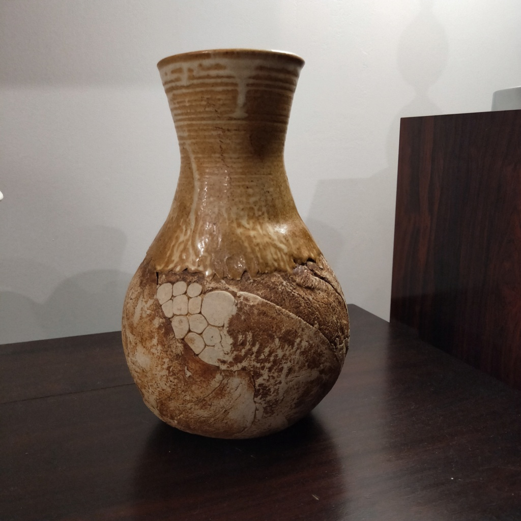 ?? Who made this vase - c in circle mark Img20211