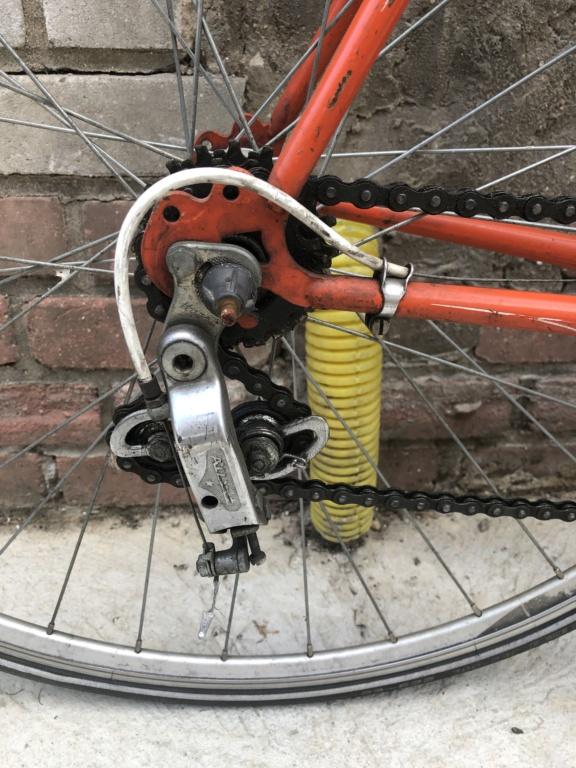 Pièces détachées d'un Vélo Jacques Anquetil couleur Gogo 01bf9710